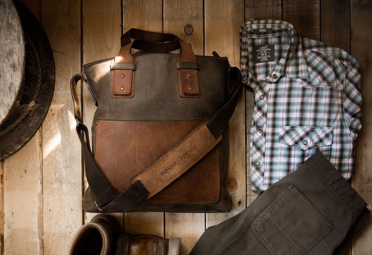 Beau sac cabas en cuir pour homme.