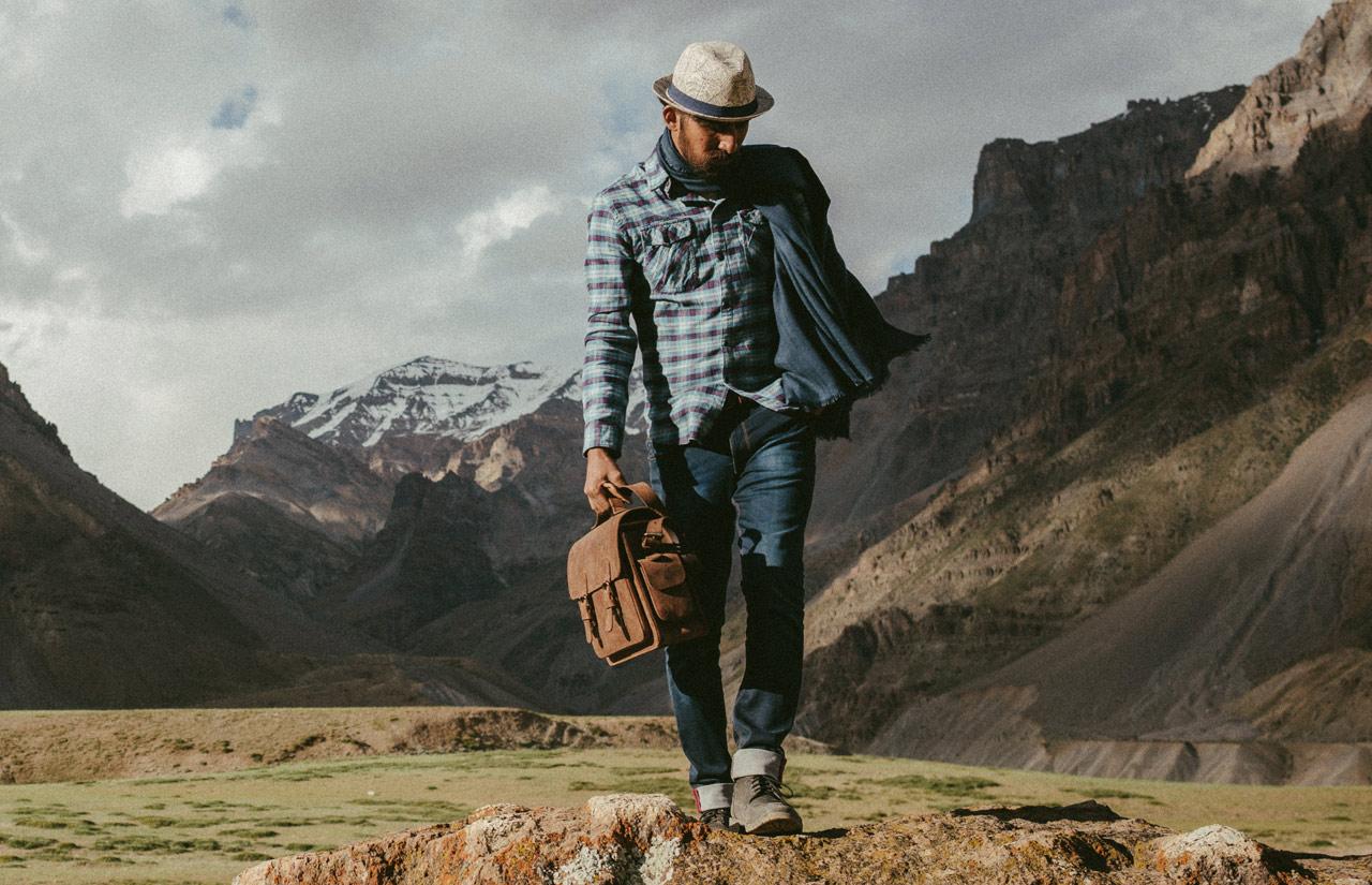 Sacoche vintage en cuir pour photographe.