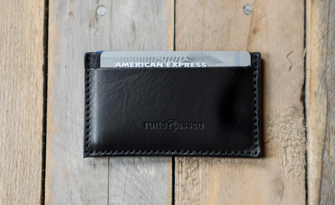 Porte-cartes en cuir noir Ruitertassen.