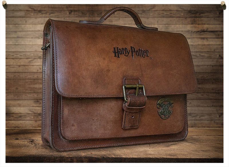 Vrai cartable cuir officiel Harry Potter.