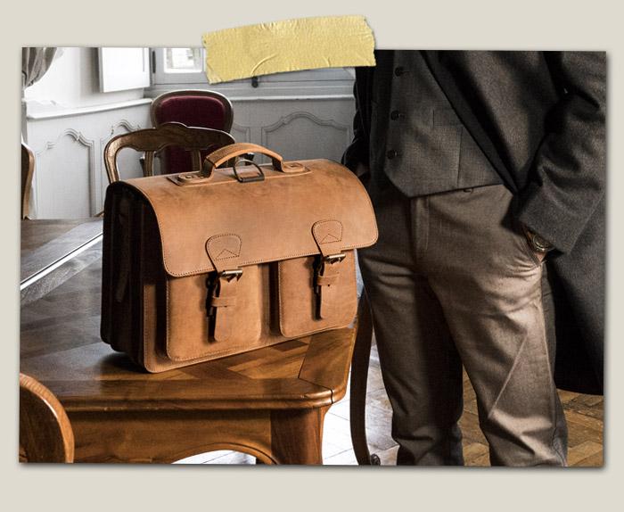 Cartable cuir artisanal élégant pour homme.