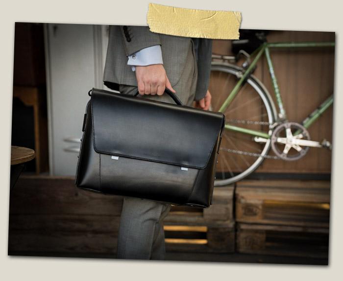 Serviette cuir noir élégante pour homme.