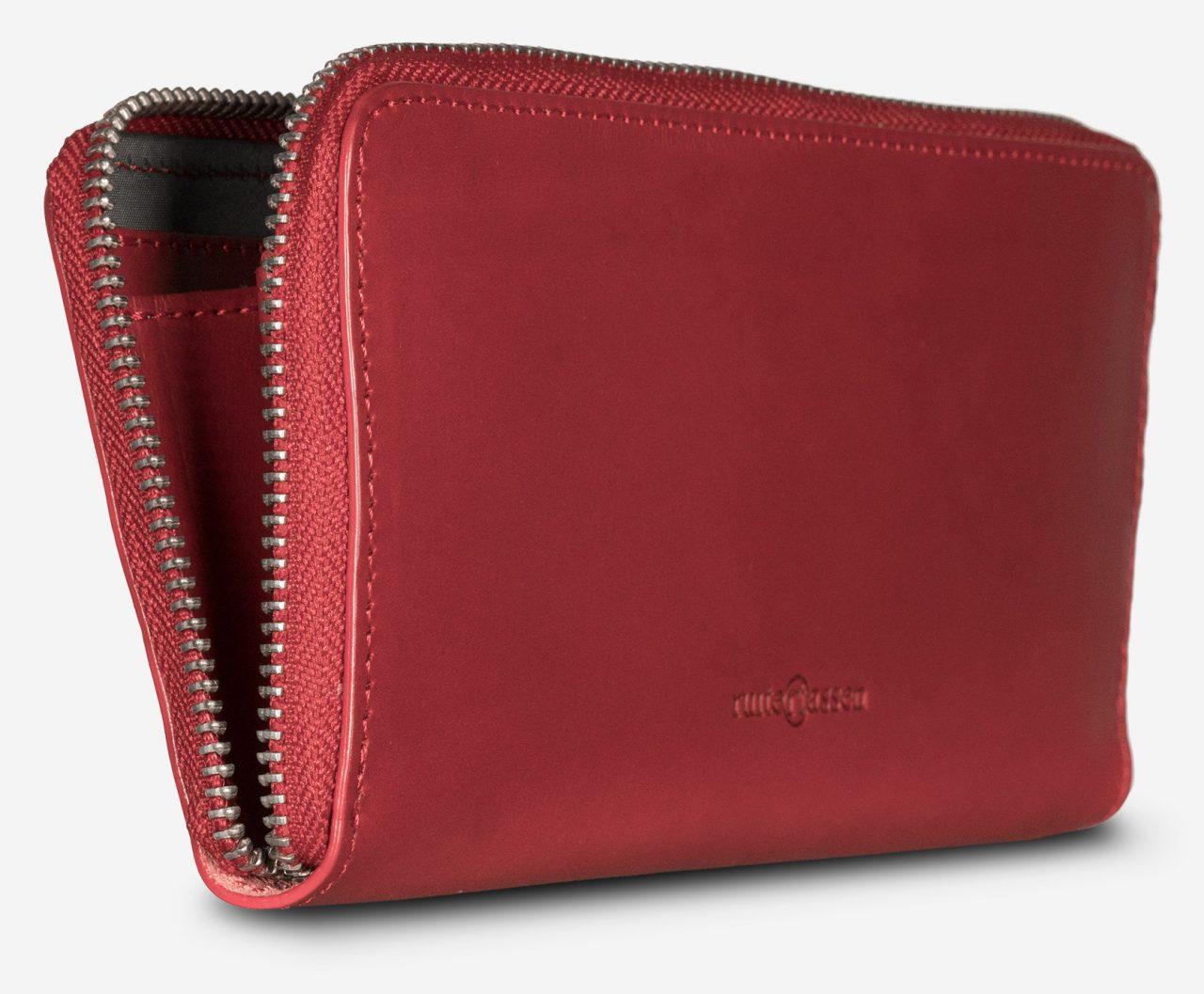 Long portefeuille en cuir rouge pour femme.