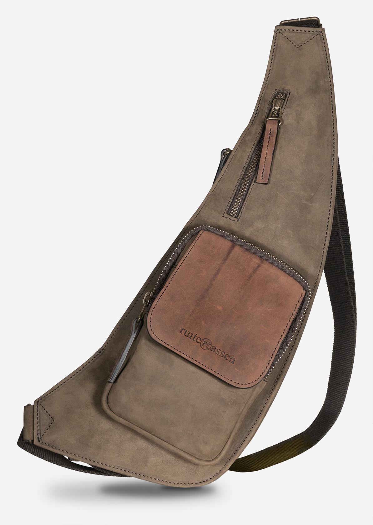 Sac bandoulière sling poitrine en cuir pleine fleur.