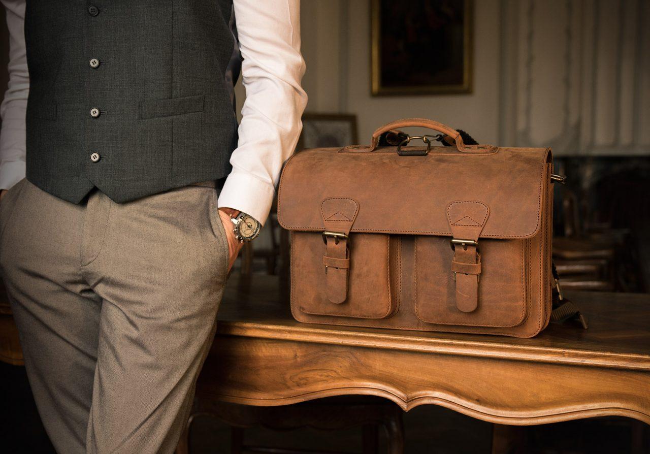 Grand cartable cuir vintage pour homme.