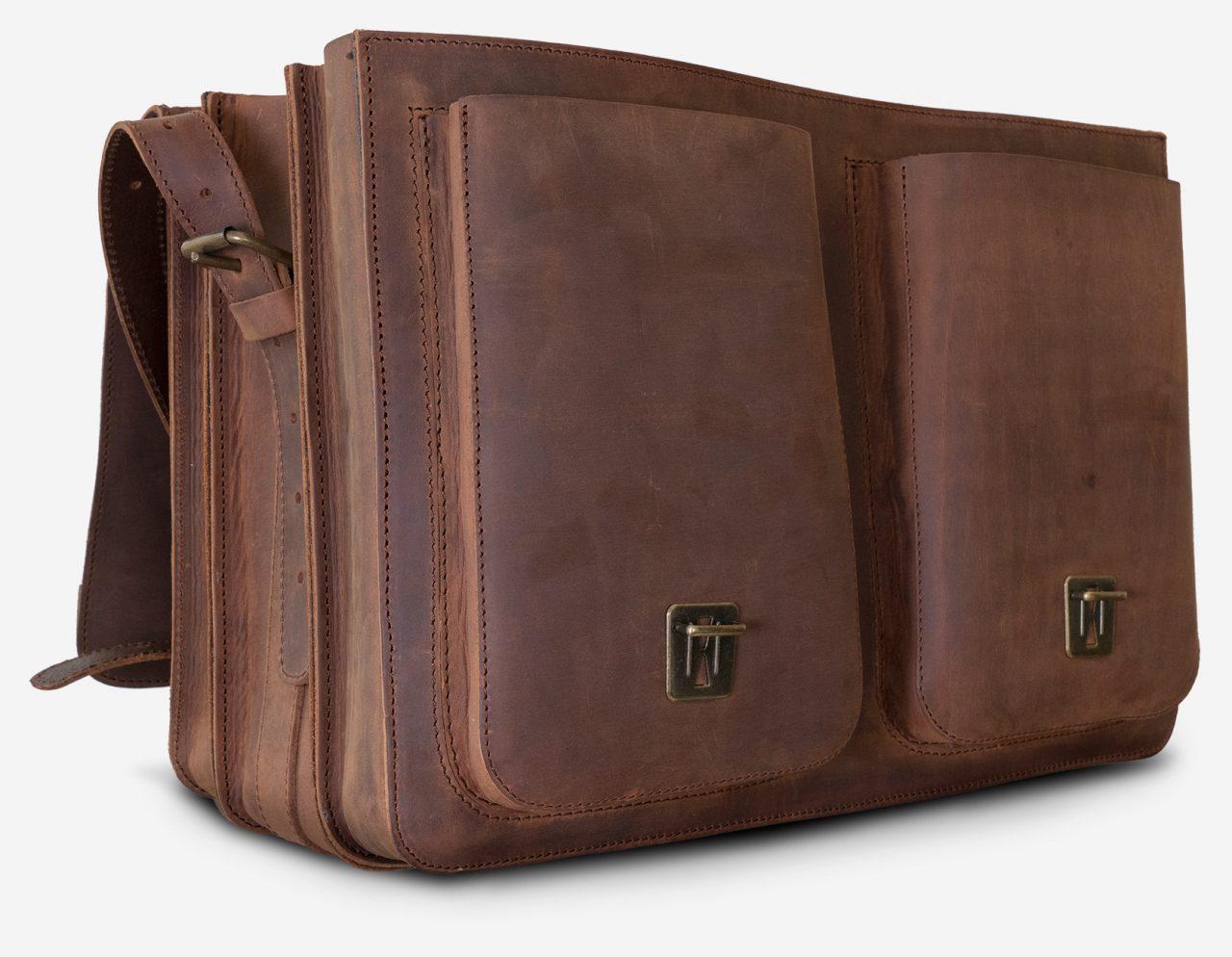 Cartable cuir vintage avec grandes poches avant.