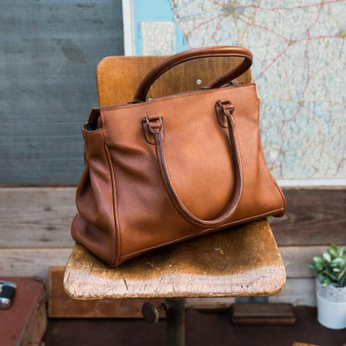 Grand sac cabas en cuir pour les cours.