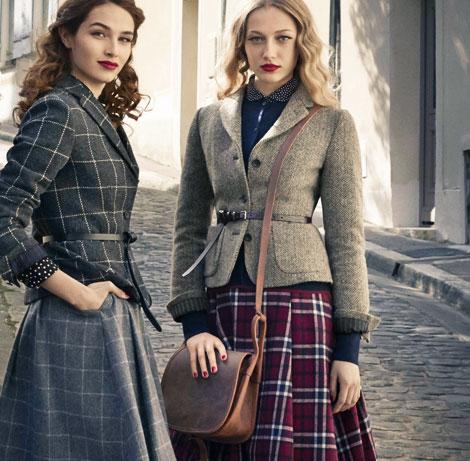 Femmes style vintage avec sac épaule en cuir marron.