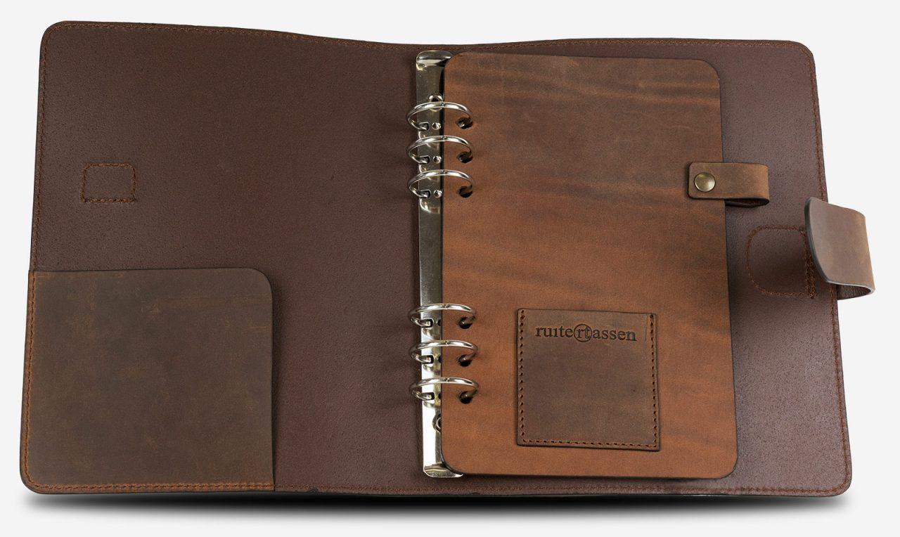 Carnet en cuir vintage A5 rechargeable.